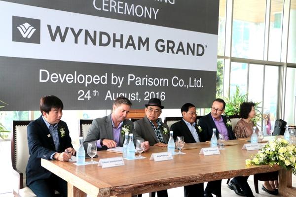 """เนรมิต """"Wyndham Grand"""" รีสอร์ทสุดหรูพูลวิลล่า 5 ดาว"""